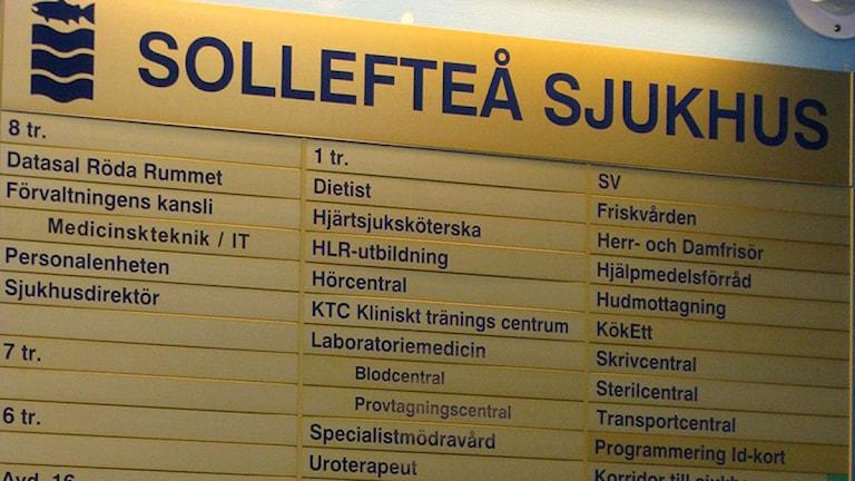 Informationstavla Sollefteå Sjukhus. Foto: Ulla Öhman/SR