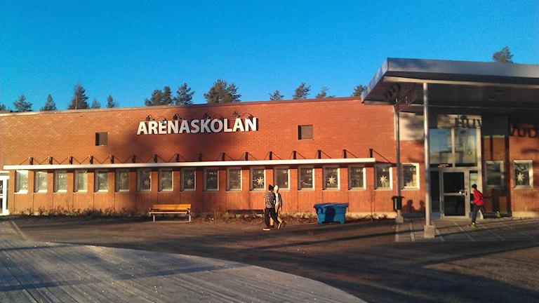 Fasaden Arenaskolan i Timrå. Foto: Lotte Nord/SR