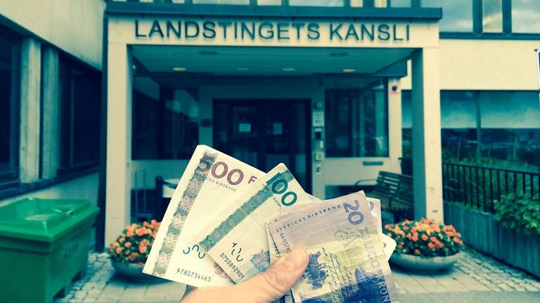 Hur mycket är västernorrlänningarna beredda att betala i landstingsskatt? Mer än idag säger 63 procent. Foto Ulla Öhman