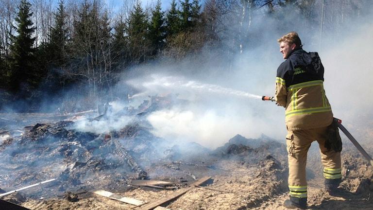 Släckningsarbete skogsbrand