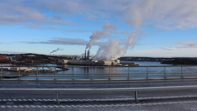 Utsikt mot Ortviken från bron. Foto: Ulf Thonman/Sveriges Radio
