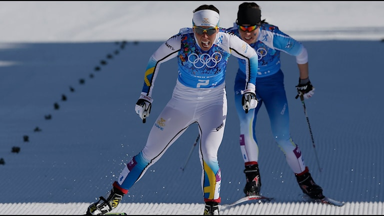 Charlotte Kalla vid målgången sista sträckan vid OS i Sotji. Foto: Matthias Schrader/AP/TT