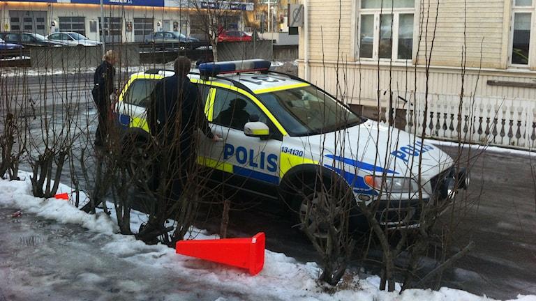 Polisen har utökat bevakningen på moskén i Sundsvall. FOTO: Imran Hazif Mohammed