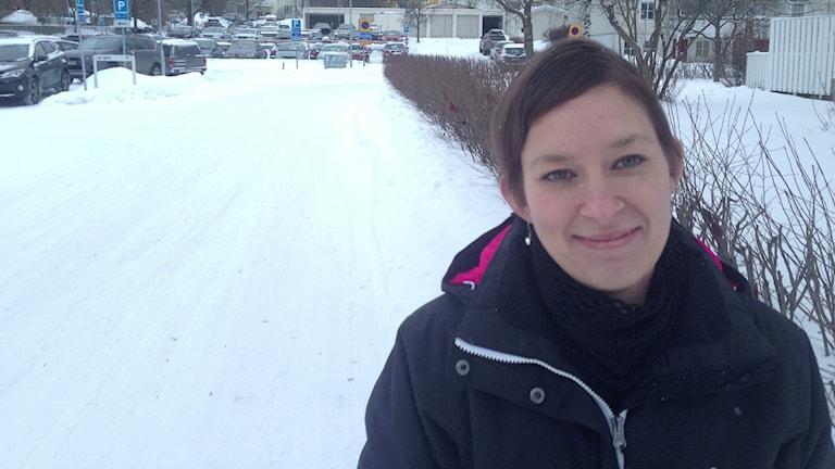Patricia Knutsson i Matfors felanmälde snöröjningen i Sundsvalls kommun. Foto: Christer Suneson
