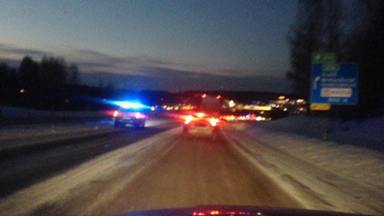 Köer på E4 vid Birsta efter en olycka. Foto: Matilda Jansson/SR
