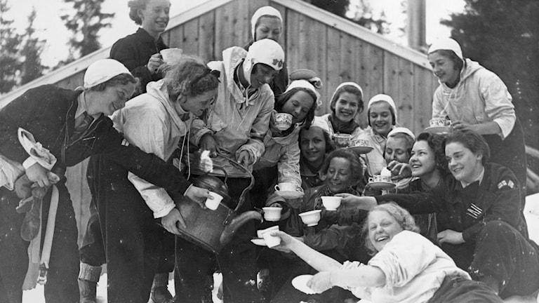 Kafferast efter långfredagsutflykten, Åre 1936. Foto: SVT Bild