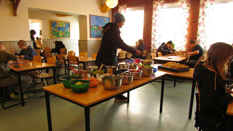 Tidig lunch i många skolor