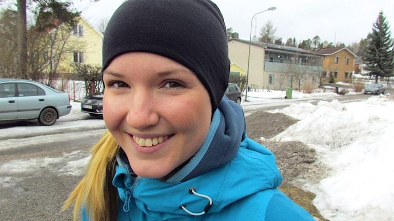 Närbild på maratoncyklisten Fredrika Ek. Foto: Karin Lönnå/Sveriges Radio