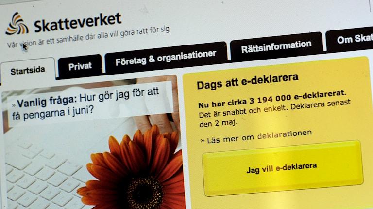 Deklarera på nätet via dator eller smartphone. Foto: Janerik Henriksson/TT