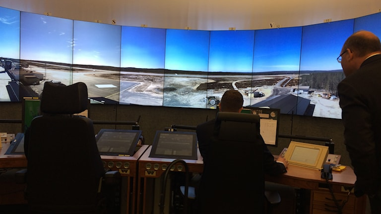 Flygledartornet vid Sundsvall-Timrå flygplats. Foto: Ulla Öhman/SR