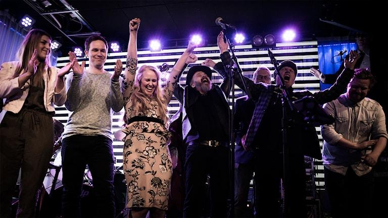 Crash n Recoverys segerjubel efter vinsten i Svensktoppen nästa Västernorrland 2015. Foto: Thea Holmqvist/SR