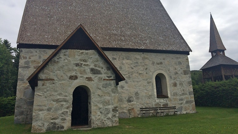 Lidens gamla kyrka från 1400-talet. Foto: Jonna Westin/SR