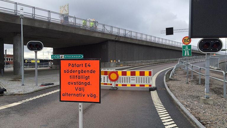 Påfart till Sundsvallsbron tillfälligt avstängd. Foto: Jennifer Engström/SR
