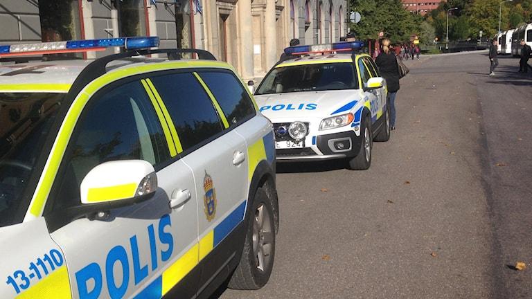 Polis, polisbil, polisen