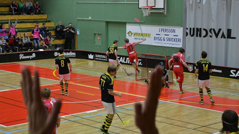 Granlo gör mål i Superligan och tar de första poängen. Foto: Christer Jonasson/SR