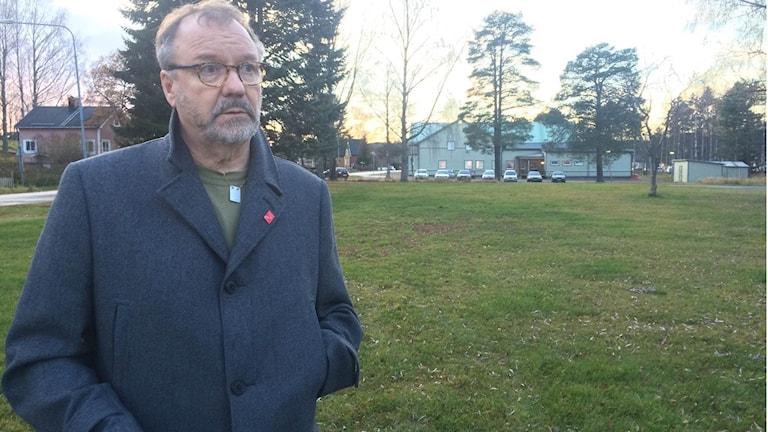 """""""Min oro är rent allmän kring flyktingboenden med bränder och sånt"""",  säger Per-Arne Frisk, ordförande i socialnämnden i Timrå kommun."""