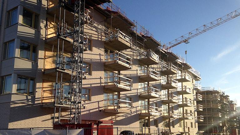 Nya hyreslägenheter byggs på Norra kajen. Foto: Lotte Nord/SR