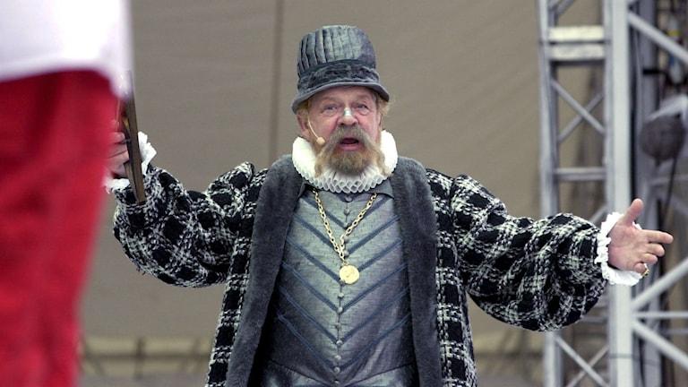 Börje Ahlstedt som Tycho Brahe, mannen som fått ge namn åt otursdagar. Foto: Anders Wiklund /TT