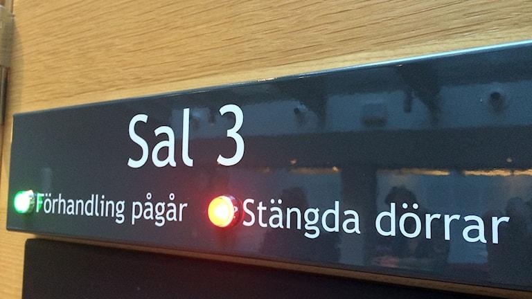 Tingsrätten beslutade om stängda dörrar. Foto: Anna Ahlström/SR