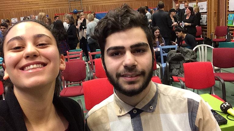 Mona Al Moulla och Ali Barbich på Sörlidenskolan. Foto: Sveriges Radio