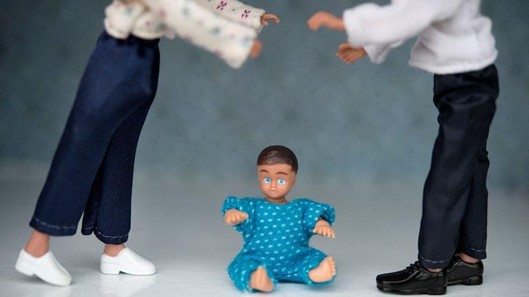 Föräldrar som bråkar. Vårdnadstvist vid skilsmässa. Foto: Jessica Gow/TT