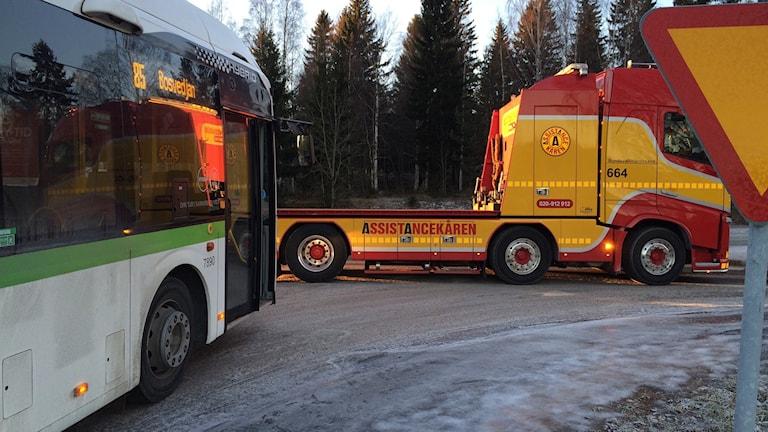 Tryckluftssystemet hade slutat fungera i kylan och bussen måste bärgas.