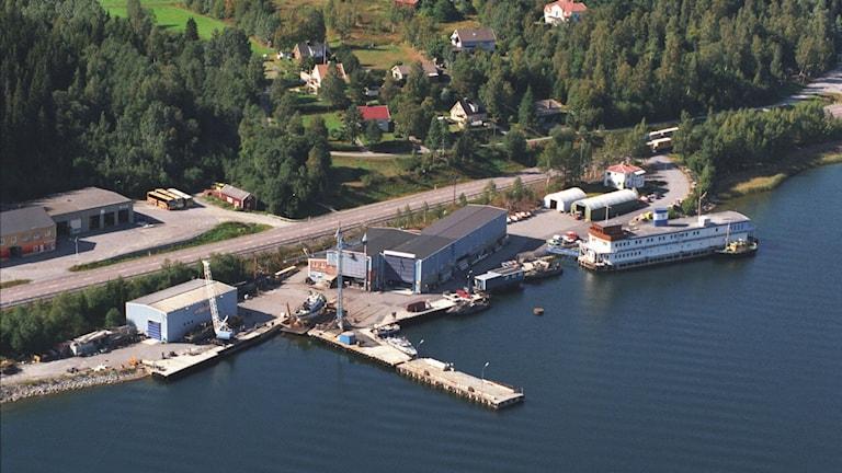 Docktavarvets läge vid vattnet i Docksta. Foto: Pressbild Dockstavarvet.
