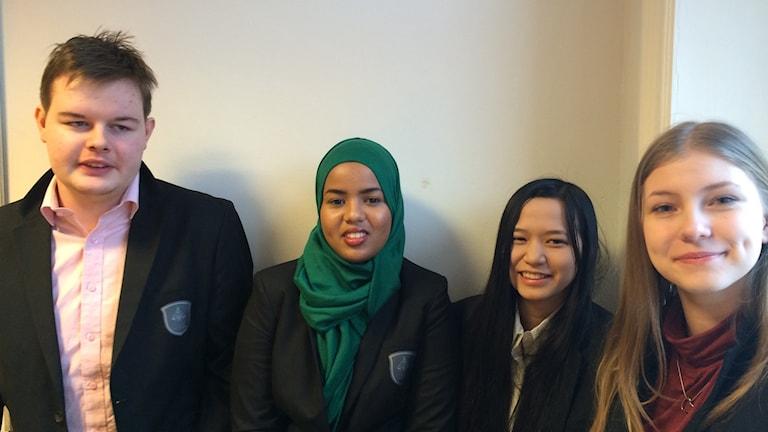 Jonathan Jakobsson, Alia Elmli, My Nhieu och Malin Rogge tredjeårskurselever på Mikael Eliasgymnasiet i Sundsvall. Foto: Ingrid Engstedt Edfast