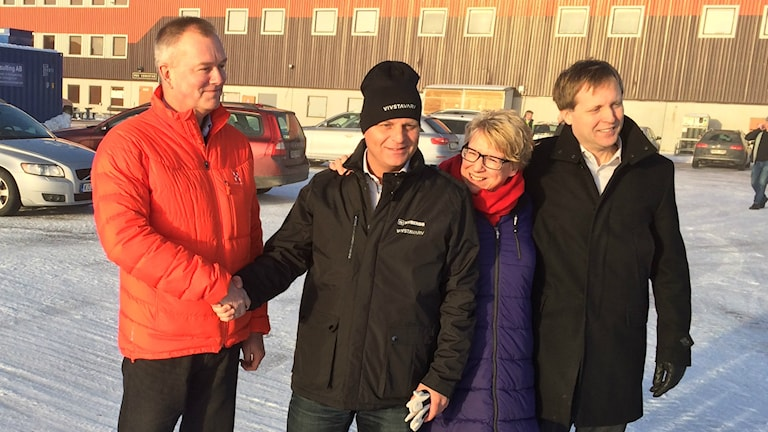 Anders Ek, vd Metsä Board, Nicklas Nyberg, Ewa Linstrand, kommunalråd Timrå och Mikael Aamisepp, Big Green Data. Foto: Niklas Axelsson/SR