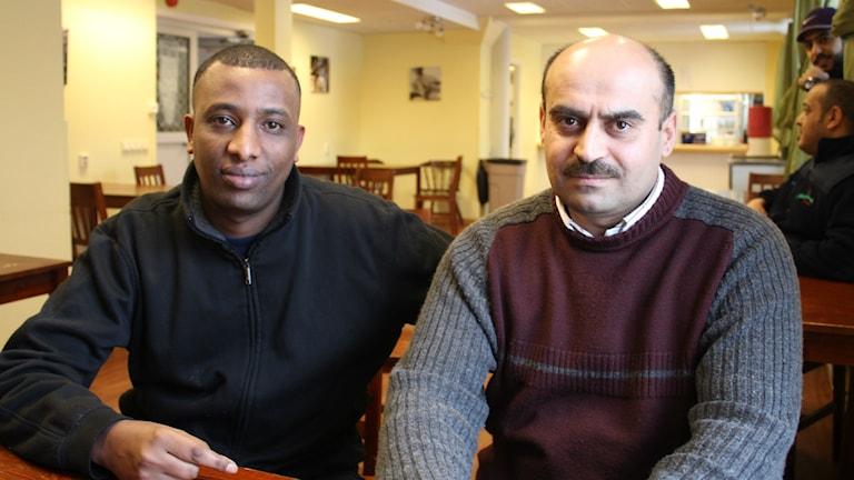 Gutu från Etiopien och Osman från Syrien bor på Sunnebo i Nora, Krmafors kommun. Asylboendet Sunnebo i Nora. Foto: Peter Hansson/Sveriges Radio