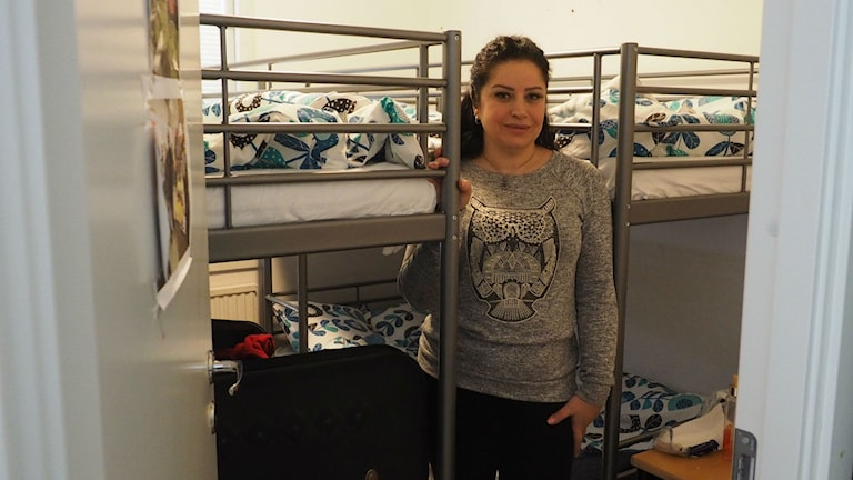 Under två månader har en familj på fyra personer bott på knappt sju kvadratmeter. Foto: Ingrid Engstedt Edfast/SR