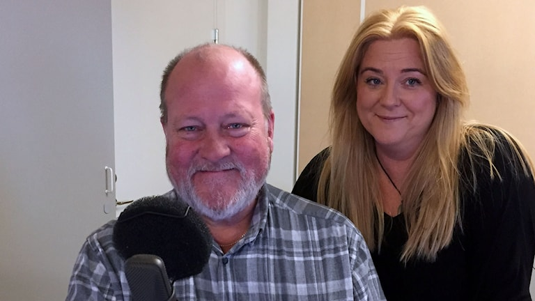 Lars T Johansson och Ingela Högdahl rattar Sök och finn idag. Foto: Ann-Charlotte Carlsson/SR