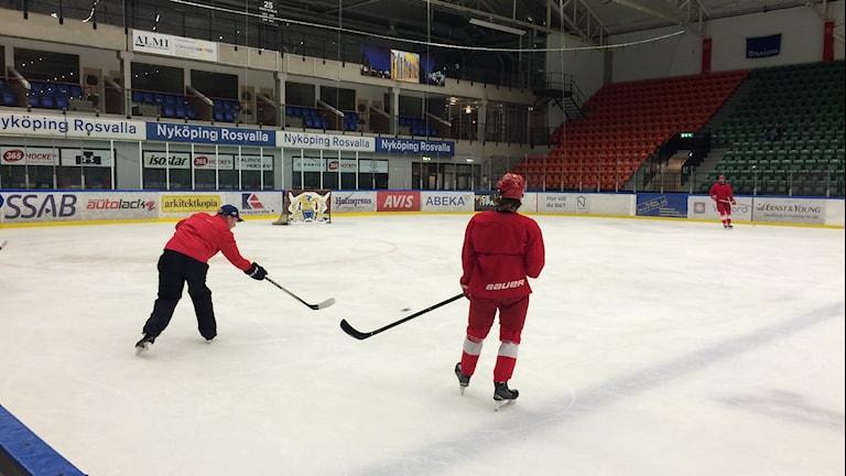 Lätt träning väntade i morse för Timrå IK:s U16-lag som spelar SM-semifinal i eftermiddag.