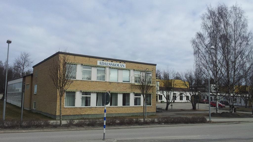 Exteriör Ådalsskolan i Kramfors. Foto: Peter Hansson/Sveriges Radio