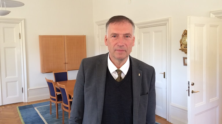 Landshövding Gunnar Holmgren är sugen på att sätta igång och jobba igen men tycker det är viktigt att länet ser över hur ambulanstransporterna fungerar. Foto Ulla Öhman