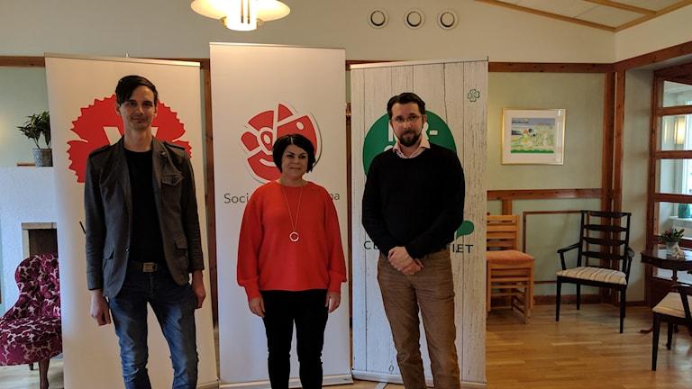 Niklas Evaldsson (V), Malin Larsson (S) och Hans Forsberg (C) presenterar en satsning på 30 miljoner till äldreomsorgen i Sundsvall.