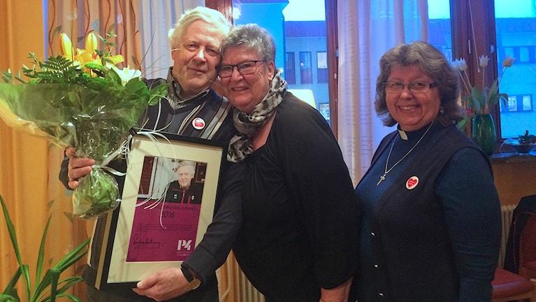 Nils-Gunnar Molin tillsammans med föreningskamraterna MarieLouise Westberg och Elisabeth Grafström
