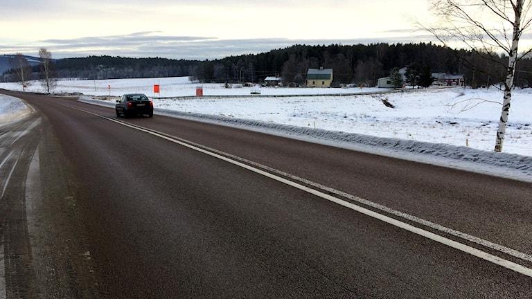Väg 335 är ren från is och snö på sträckan Offer - Sollefteå januari 2017. Foto: Lennart Sundwall/Sveriges Radio