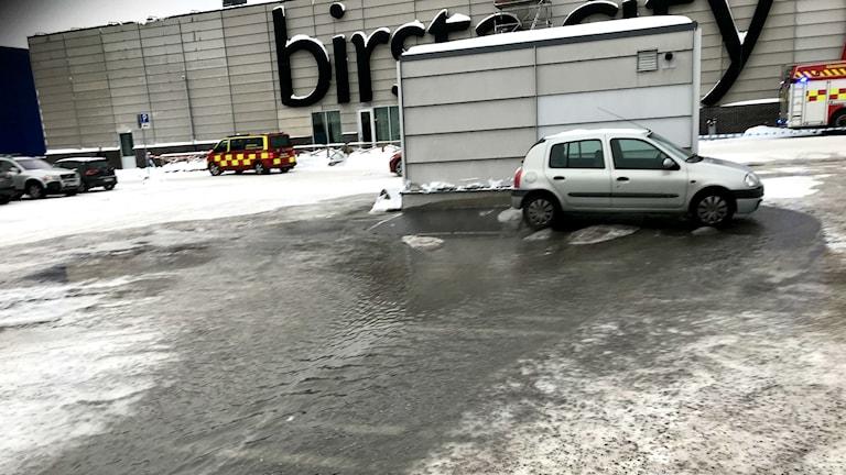Tusentals kubikmeter vatten pumpades ut vid översvämningen i Birsta City.