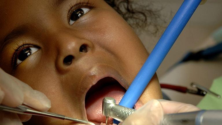 Barn hos tandläkare