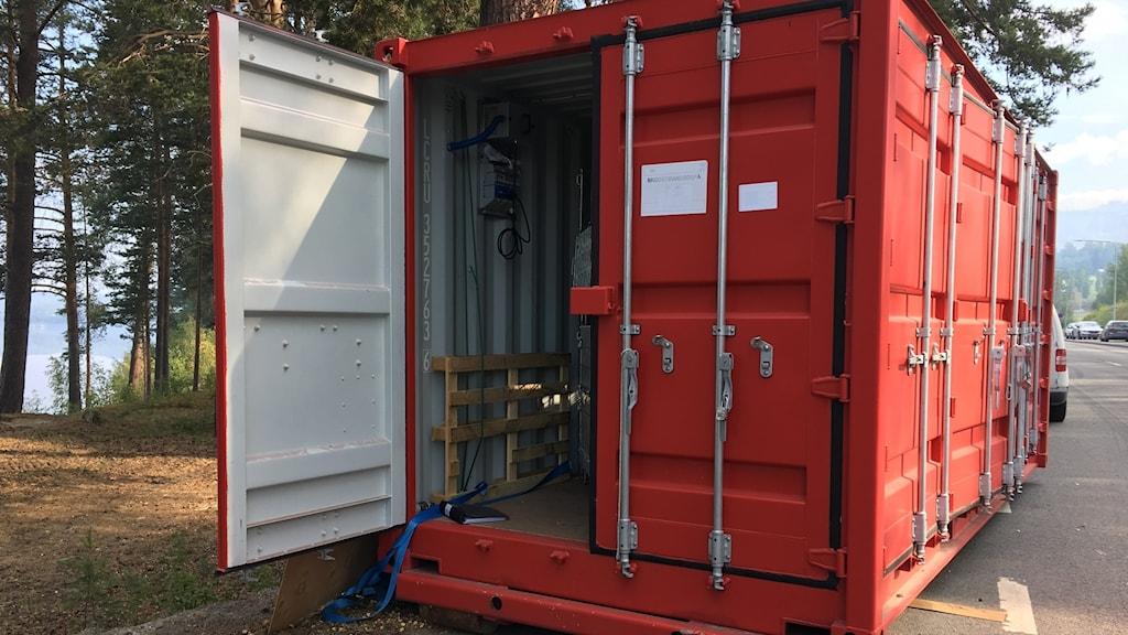 Röd container