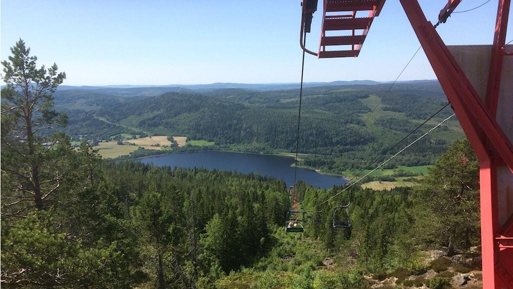 Utsikt från Skuleberget från den gamla linbanan. Foto: Christer Jonasson/Sveriges Radio