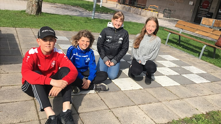 Irma Bergquist, Ida Burland Bylund, Simon Westling och Hannes Lundin från Brunne skola. Foto:Ulla Öhman