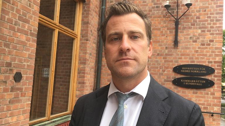 Advokat Jonas Granfeldt försvarar 20 åringen som dömdes till 14 års fängelse