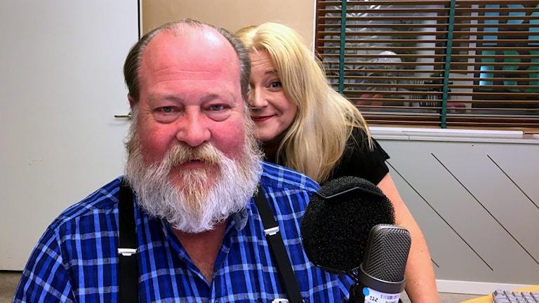 Programledare Lars T Johansson och producent Ingela Högdahl. Foto: Ann-Charlotte Carlsson/Sveriges Radio