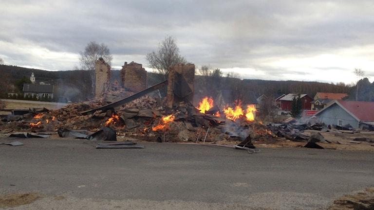Missionshuset i Bollstabruk var helt övertänd när räddningstjänsten kom till platsen.