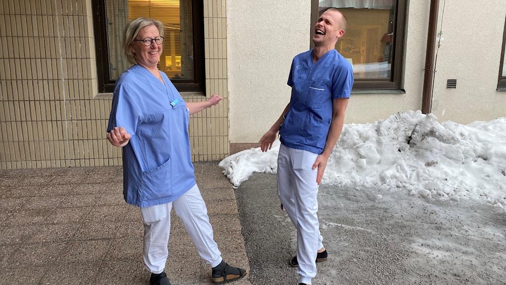 Caroline Nordqvist och Daniel Lundgren Oderstad på Södra Sundets hälsocentral i Härnösand.
