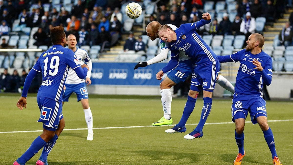 Nickduell i matchen mellan Gif Sundsvall och Norrköping. Foto: Peter Holgersson/Bildbyrån