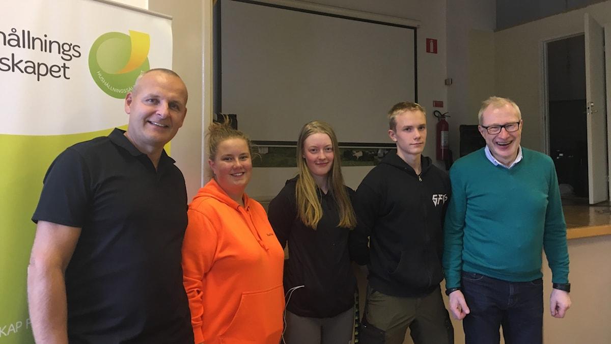 Fredrik Innala, Madde Westerlund, Linnea Gustin och Wilmer Frisendahl, samt Stig Wiklund. Foto Ulla Öhman