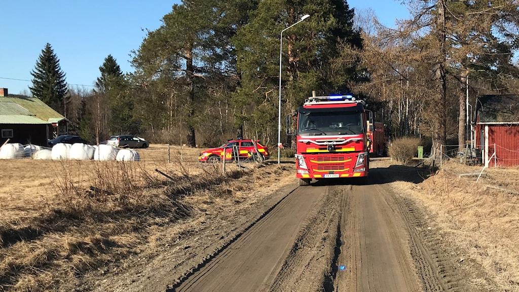 Brandbil på landsbygd